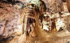 La Cueva de Valporquero recibe durante la Semana Santa a 3.399 visitantes