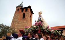 La Procesión del Resucitado despide la Semana de la Pasión en Santa Marina del Rey