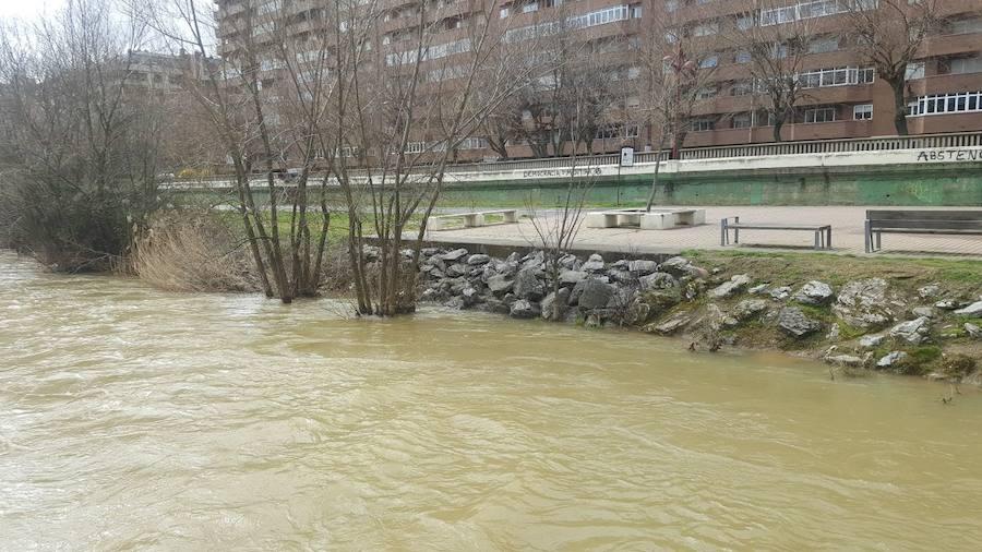 El río Bernesga, a su paso por León