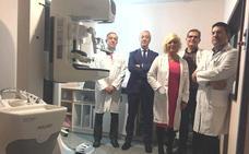 Un mamógrafo único en Castilla y León permitirá el diagnóstico de tumores sin necesidad de quirófano en el Bierzo