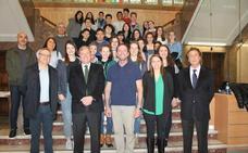 El alcalde recibe a los alumnos de Indiana de intercambio en el IES Legio VII