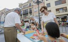 El 65% de los abuelos de la región ayudan a sus hijos en el cuidado de los nietos