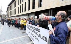 Los funcionarios de justicia salen a las calles en Castilla y León para exigir la equiparación salarial