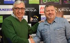Julián Ruiz: «Si no juegas sereno, el Ademar te mata»