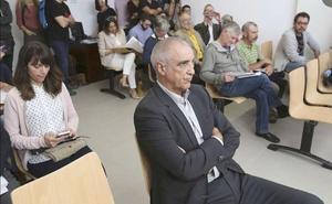 El recurso planteado ante el Tribunal Constitucional frena el ingreso en prisión de Victorino Alonso