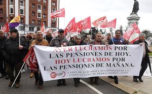 León «echa un pulso» a Rajoy y apela a la unidad para lograr pensiones y salarios dignos