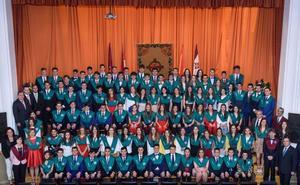 El Leonés gradúa a sus alumnos de bachiller
