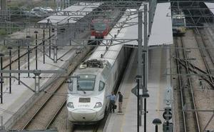 Fomento pondrá 90 millones más para duplicar la vía entre León y Valladolid y aumentar así la velocidad