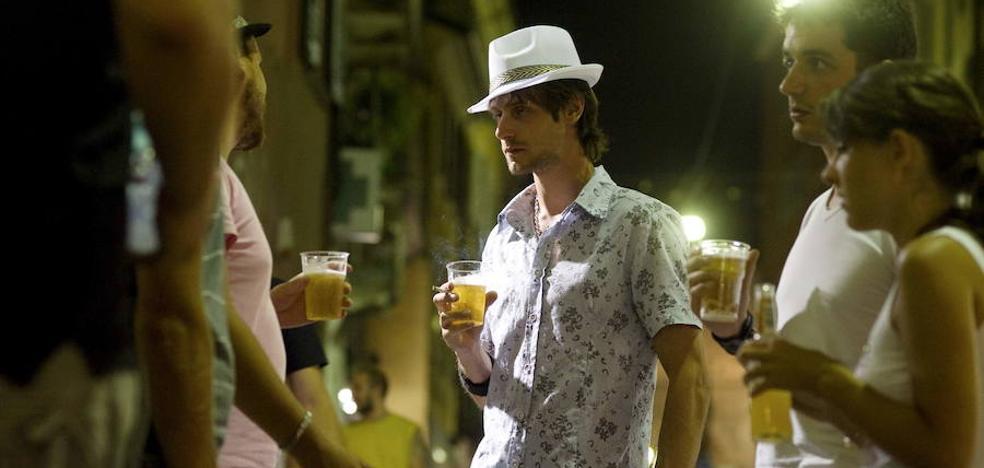 Nada de alcohol en los cines, multas a los padres y adiós a los botellones