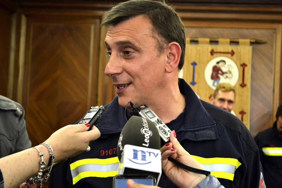 Toma de posesión de cinco nuevos cabo en Bomberos de León