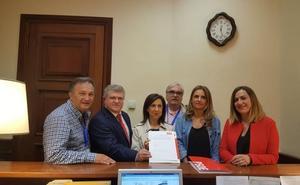 El PSOE pide en el Congreso eliminar el decreto del Gobierno que «aniquila» las juntas vecinales