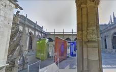 UPL exige retirar la estructura de metacrilato instalada en el claustro de la Catedral