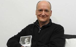 El escritor Gustavo Martín Garzo regresa al mundo de la fábula, «el lado oscuro de lo real»