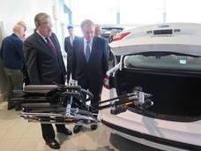 Ford tira abajo las barreras