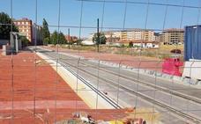 El PSOE denuncia que Fomento sólo quiere urbanizar Feve y que dejará a León «sin estación ni trenes»