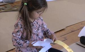 Los más pequeños disfrutan de la obra de Vela Zanetti