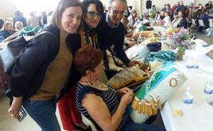Quintana de Rueda cita a 130 mujeres con la cultural popular en su encuentro de encaje de bolillos