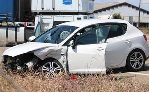 Cuatro personas heridas tras un aparatoso accidente en la N-120 en Villadangos