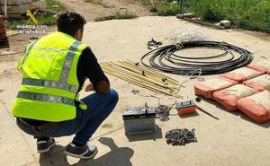 La Guardia Civil detiene a cuatro personas por sustraer material de la antigua estación de Cubillos del Sil