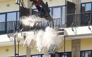 Comienzan las obras en San Marcos: cae la primera piedra del viejo hostal