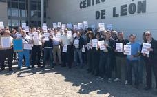 Los funcionarios de la prisión de Villahierro paran para denunciar las 'agresiones' sufridas