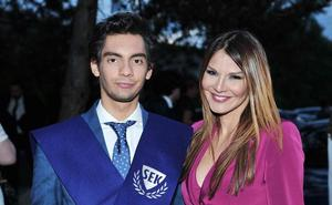 Ivonne Reyes celebra la graduación de su hijo con un dardo a Pepe Navarro