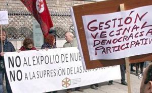 Los concejos tachan de «ñapa mal hecha» la solución para los secretarios de juntas vecinales