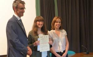 Una estudiante de Bembibre recibe el segundo premio de la IV Olimpiada Agrolimentaria