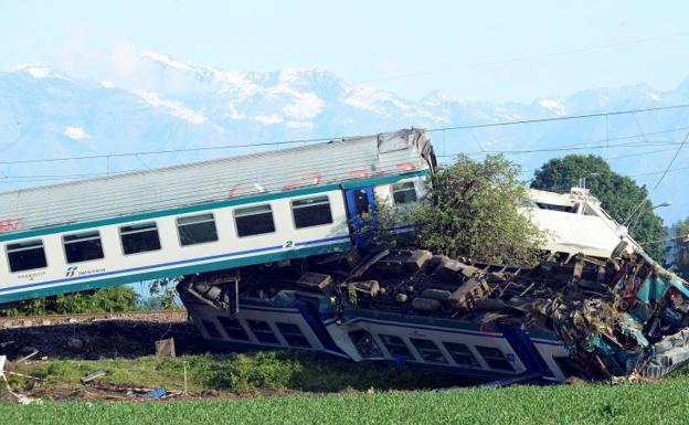 Descarriló un tren, murieron al menos dos personas — Italia