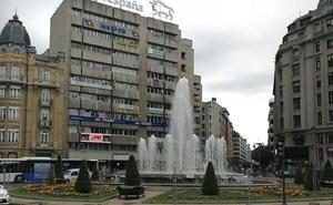 El Ayuntamiento valla la fuente de Santo Domingo ante la posible celebración de un nuevo título madridista