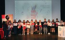 Dos alumnas del Virgen Blanca triunfan en el Concurso Coca Cola Jovenes Talentos de Castilla y León