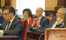 La oposición en pleno echa en cara a Silván la «tardanza y dudas» con respecto a la integración de Feve
