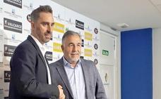 Bolo apuesta por fútbol y ambición en su llegada a la Ponferradina
