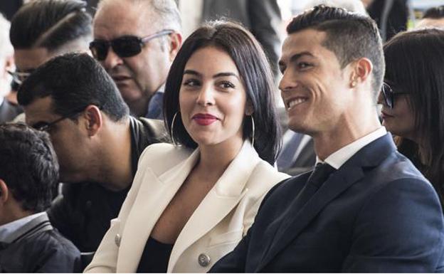 Madre de Cristiano Ronaldo declara guerra a la novia de su hijo
