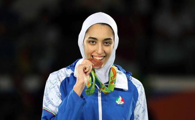 Desertó medallista olímpica iraní