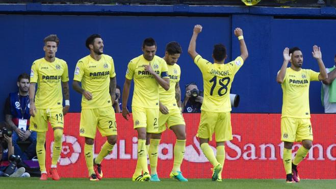 El Villarreal prosigue su escalada a costa de la Real Sociedad