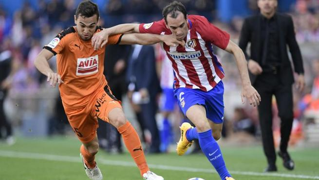 Godín no estará en la despedida del Calderón ante el Athletic