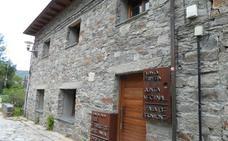 La sede de artesanía de Colinas del Campo acoge dos nuevas exposiciones de fotografía y pintura
