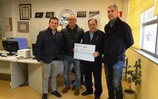 Cementos Cosmos y sus empleados donan 3.000 euros a los bancos de alimentos de Ponferrada y Toral