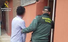 Detenido en Fabero un joven acusado de distribuir hachís y marihuana junto al IES Beatriz Ossorio