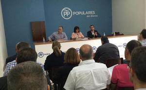 Alcaldes y portavoces del PP en el Bierzo conocen la nueva Ley de Contratos