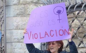 El Colectivo 8MBierzo convoca una concentración para hoy en Ponferrada contra la libertad de 'La Manada'