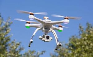 El Civi de Camponaraya acoge un curso de pilotaje de drones