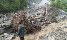 Diputación cierra al tráfico la carretera de Peñalba ante el riego de derrumbes por las lluvias