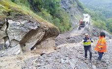 Las tormentas causan un nuevo corte en la carretera de Peñalba