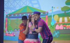 Un espectáculo «tope guay» cierra los conciertos de la Encina