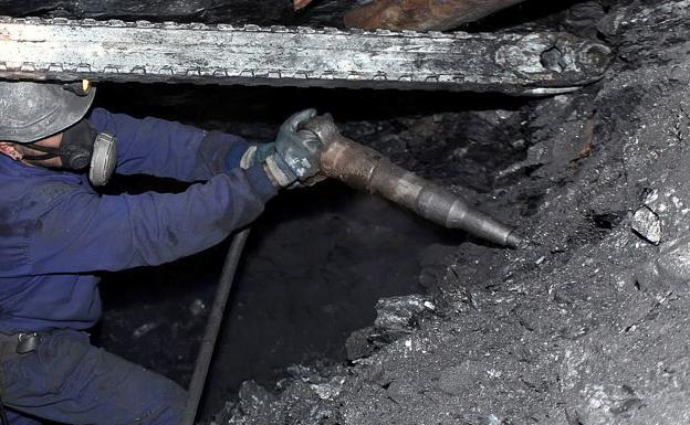 UGT denuncia ante la Seguridad Social la incorrecta aplicación de los coeficientes reductores en la jubilación para toda la minería
