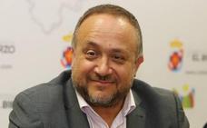 El presidente del Consejo Comarcal niega que su sueldo ronde los 4.000 euros