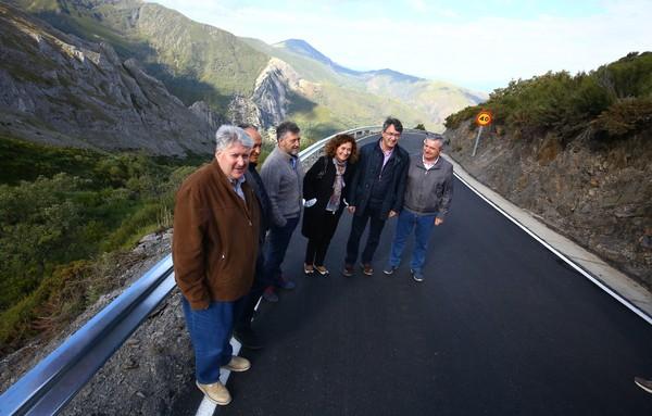 Visita a la carretera de acceso a Peñalba de Santiago desde el Mirador de la Cruz