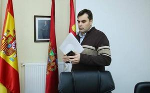Desestimada una denuncia por prevaricación contra el alcalde de Cacabelos y el secretario municipal